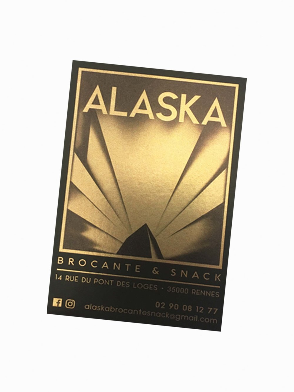 Alaska, coffee shop brocante | www.theflyingflour.com