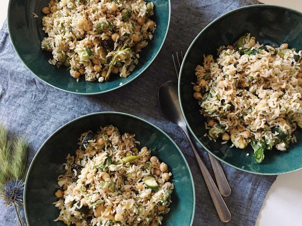 Salade_riz_legumes_feta_pois_chiches_©theflyingflour