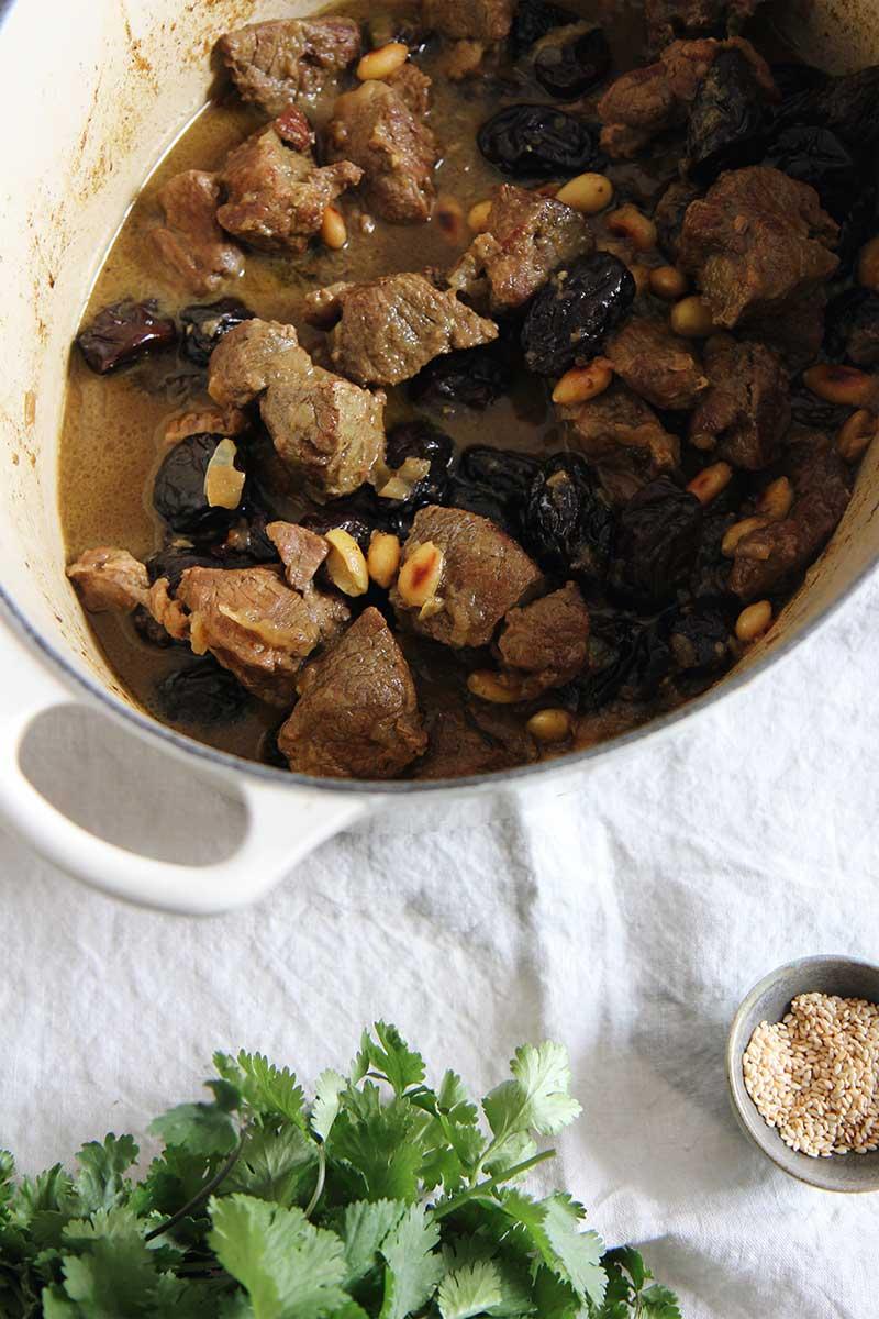 Tajine agneau & amandes | The Flying Flour