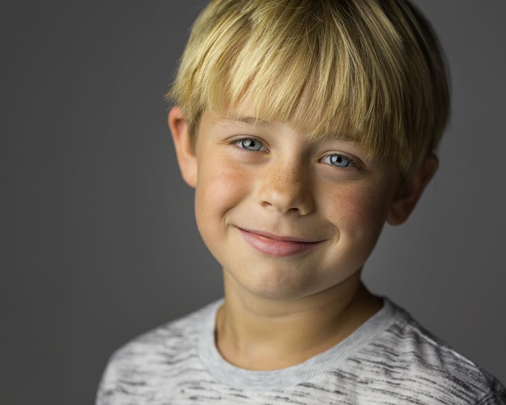 DWi-Alfie-Portrait-Photography-LED-PIXAPRO-led100d-milton-keynes-studio-4.png