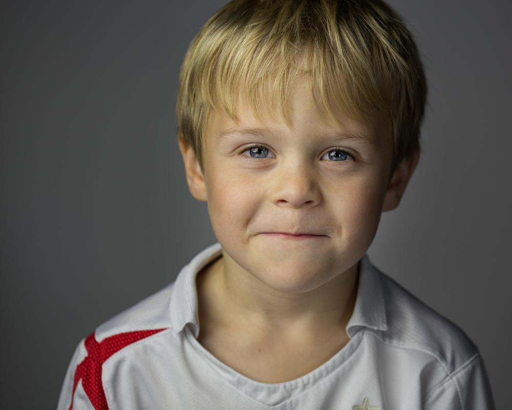 DWi-Jack-Portrait-Photography-LED-PIXAPRO-led100d-milton-keynes-studio-4.png
