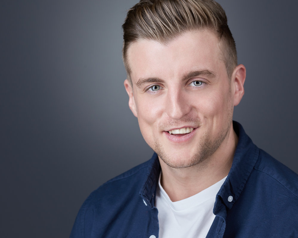 sam1-headshot-photography-studio-milton-keynes-business-headshot.png