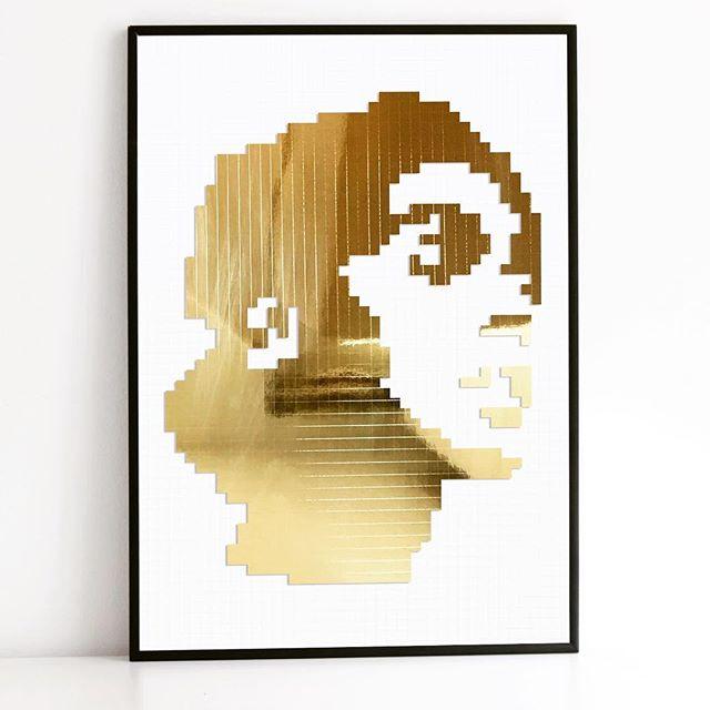 Guess who? . . . #portaits #portraits_hub #goldart #portraits_life #portraitstyles #golden  #influencer #portraitsquad #portraits_today #portraitstyles_gf #portraitsociety #portraits_vision #portraitsofficial #portraitsession #portraits_universe