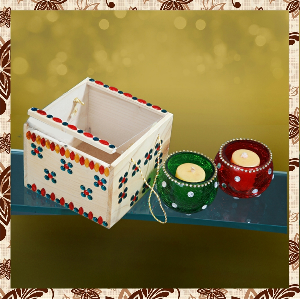 G1012 : Decorated wooden box. Tissue paper box. Hand designed glass jar. For prices, please call 9987261106 or email mousumii@goshopart,com. Delivery free in Mumbai for billing value greater than Rs 2000.