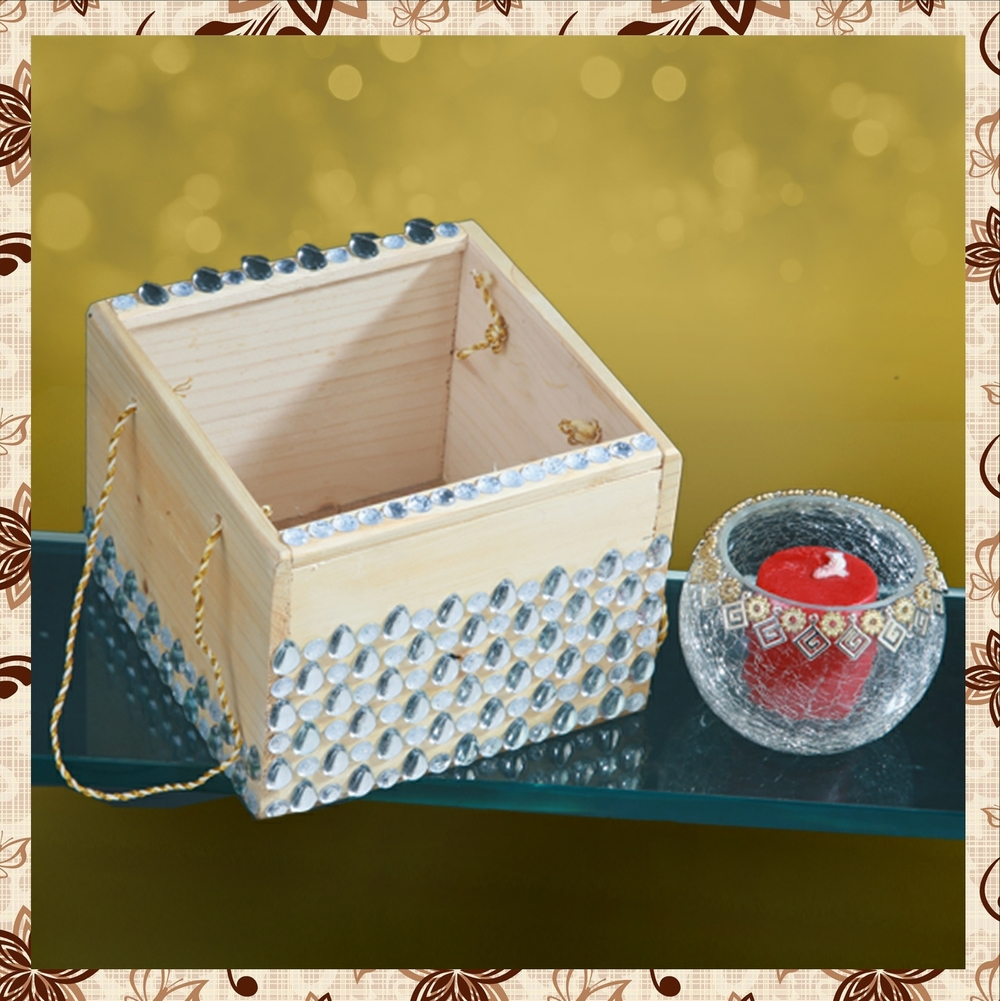 G1013 : Decorated wooden box. Tissue paper box. Hand designed glass jar. For prices, please call 9987261106 or email mousumii@goshopart,com. Delivery free in Mumbai for billing value greater than Rs 2000.
