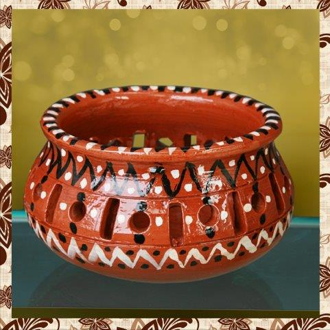 E1012H35 : Single Rs 350. Hand painted jar. Packing in bubble wrap. Special packaging at extra cost. Delivery free in Mumbai for billing value greater than Rs 2000. For bulk order rate please email mousumii@goshopart.com