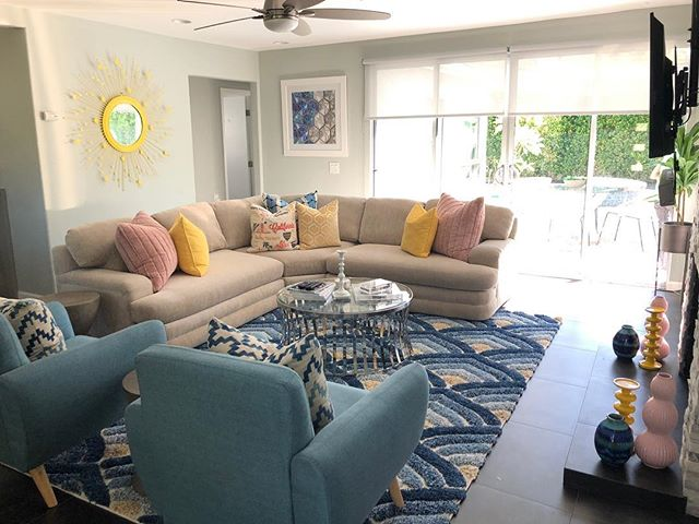 Did a little makeover on the living room in our Palm Springs place and @mnevhawaii  and I are SO thrilled with how it came out!! 🌴☀️💌 How sunny and fabulous does this look?! I want to go back! LOL 😎✌🏼💌 xoxo #decor #home #palmsprings #sunny #bright #midcentury #gaycouple #style #instagood #instalike #follow #like