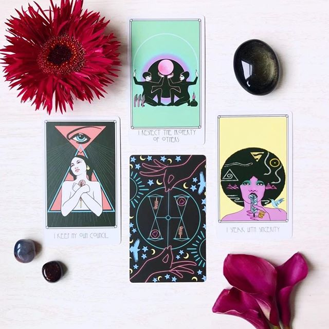 """""""The @amentioracle contains forty-two cards, each with its own fabulous combination of Ancient Egyptian and modern art imagery.  Its vivid, neon colors invoke heavy influences from the 80s and 90s, which sparks life into these ancient ideals.  The cards measure at a standard size of 4.75"""" x 2.75"""", with a sleek matte finish that allows for easy shuffling.  I was very happy to see the deck features only women, and contains a range of diversity that reflects the true ethnicity of Ancient Egyptian and Middle Eastern culture."""" - @lunacelestetarot  Thank you so much for this beautiful review of #AmentiOracle 🥰 To learn more, please follow @lunacelestetarot 🔮🧿🔮"""