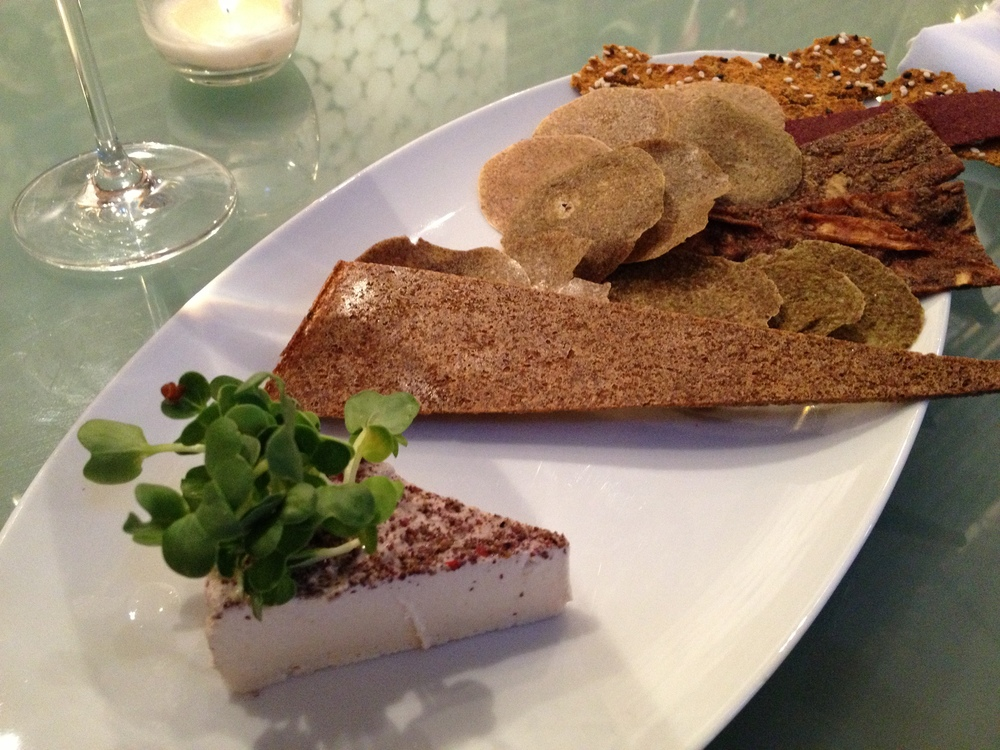 raw, vegan cashew nut cheese & raw crackers