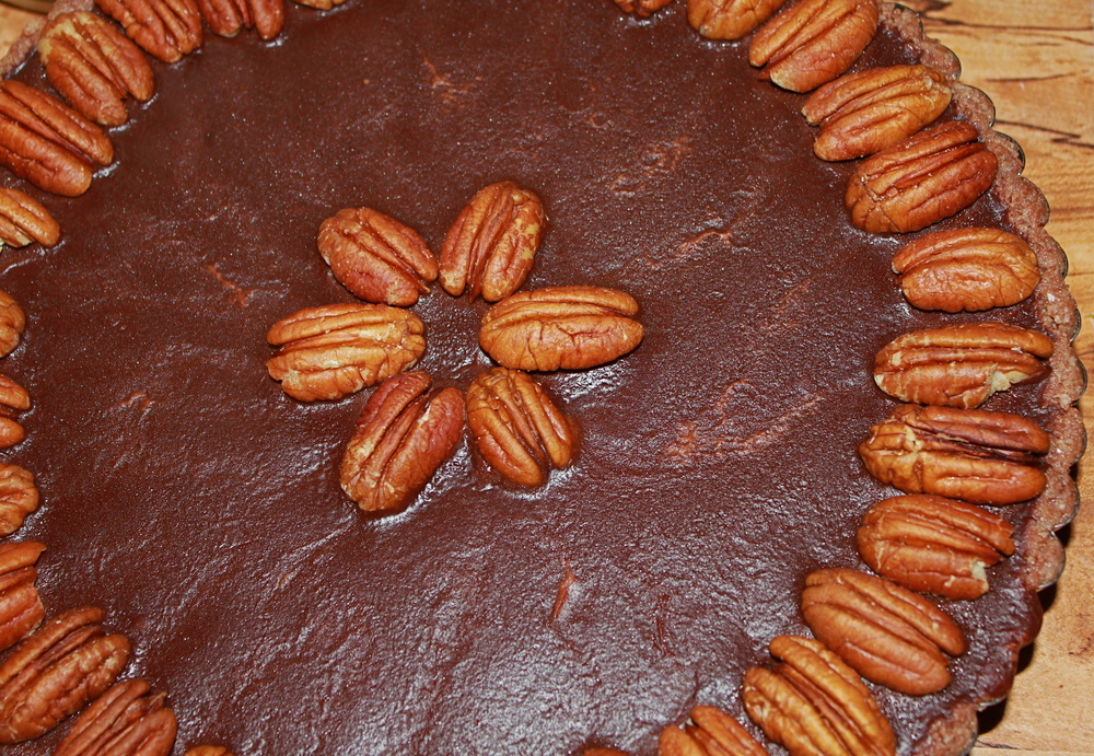 raw, vegan chocolate pecan tart