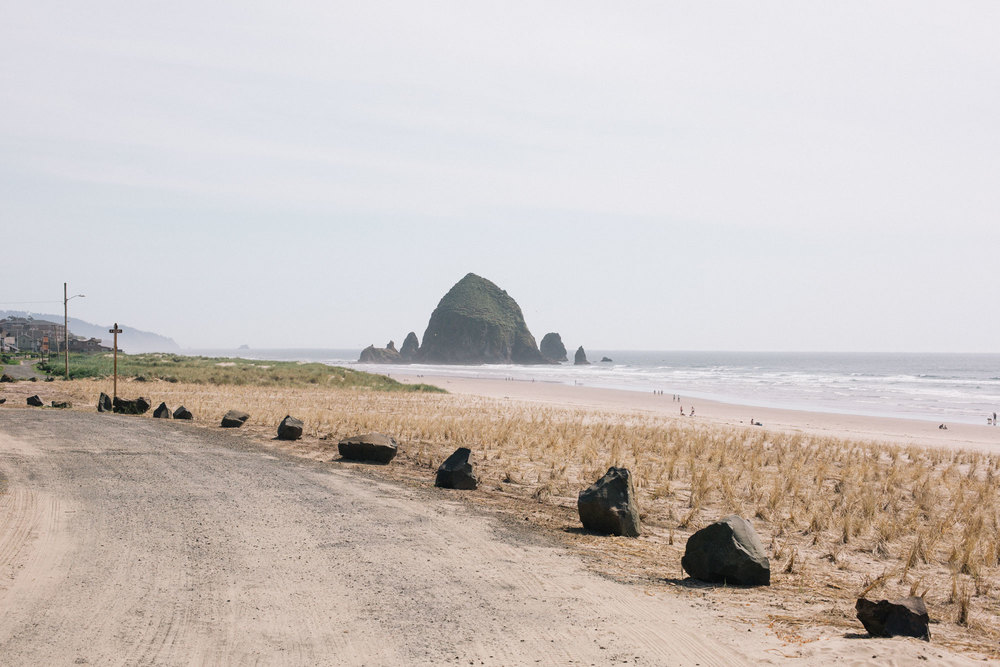 haystack_rock_oregon_coast.jpg
