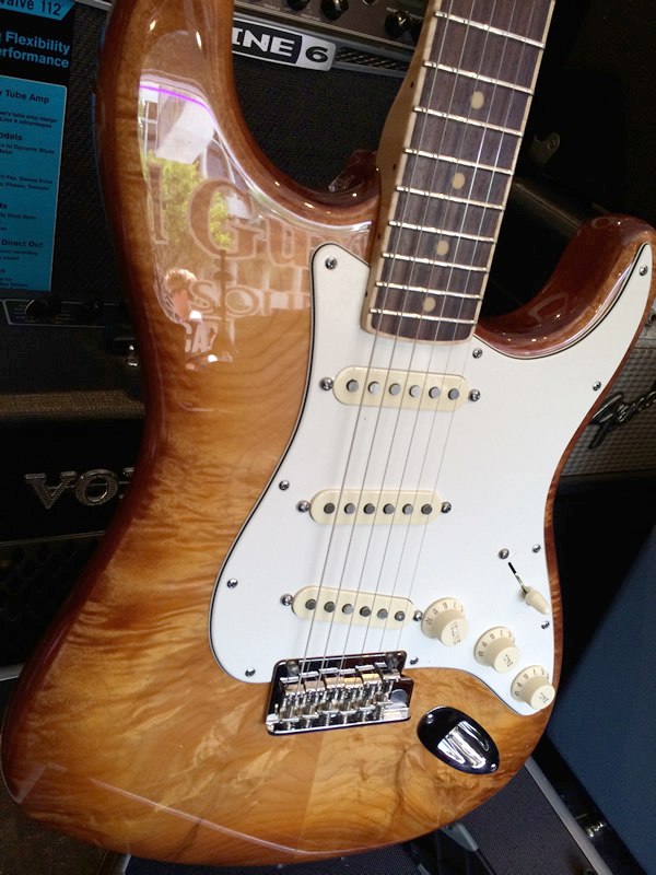 fender_select_quited_strat02.jpg