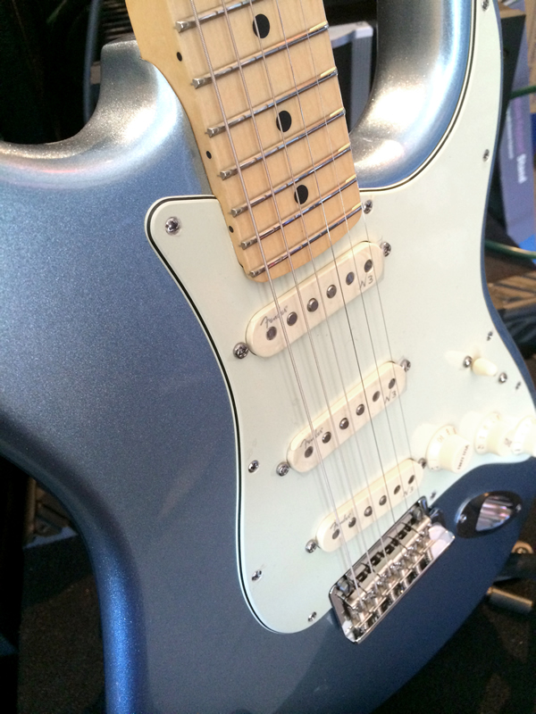 Fender american deluxe strat plus goodguys music sound fenderstratdeluxeplus04g freerunsca Choice Image