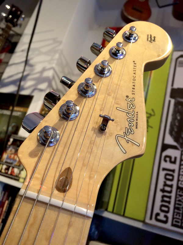 fender_port_orford_strat02.jpg