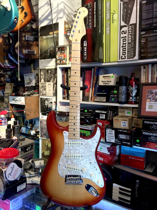 fender_port_orford_strat01.jpg