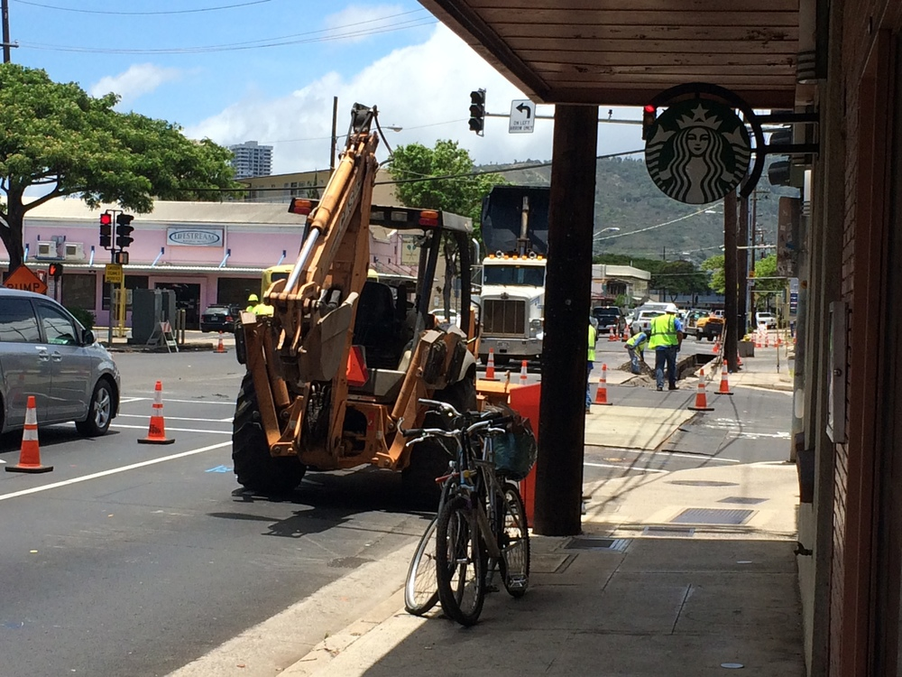 kapahulu_roadwork