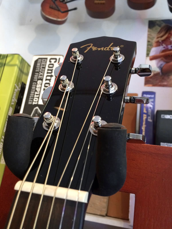 Fender CD-60 Blk 02.jpg