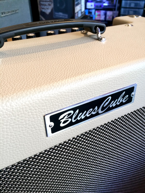 roland-blues-cube-artist-02.jpg