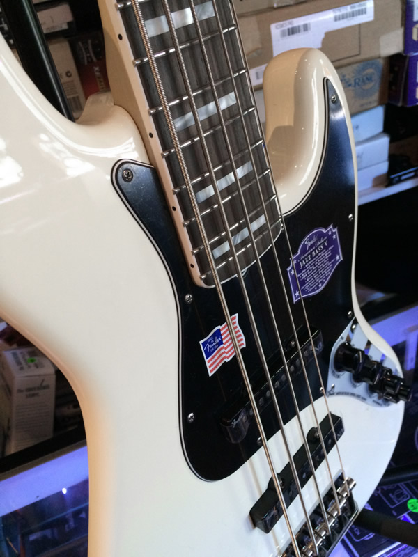 Circuito Jazz Bass Deluxe : Fender american deluxe string jazz bass olympic white