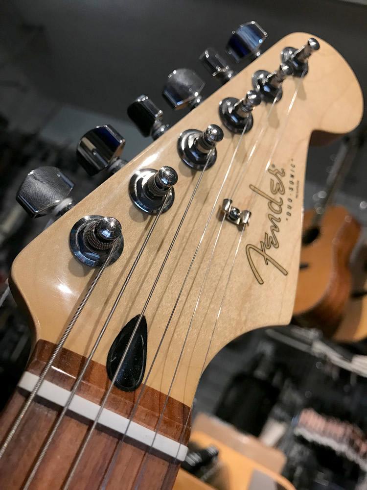 Fender Duo Sonic 02.jpg