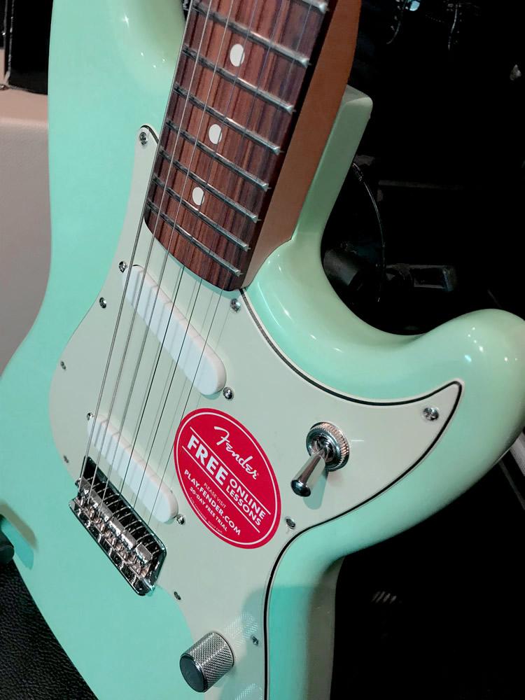 Fender Duo Sonic 04.jpg