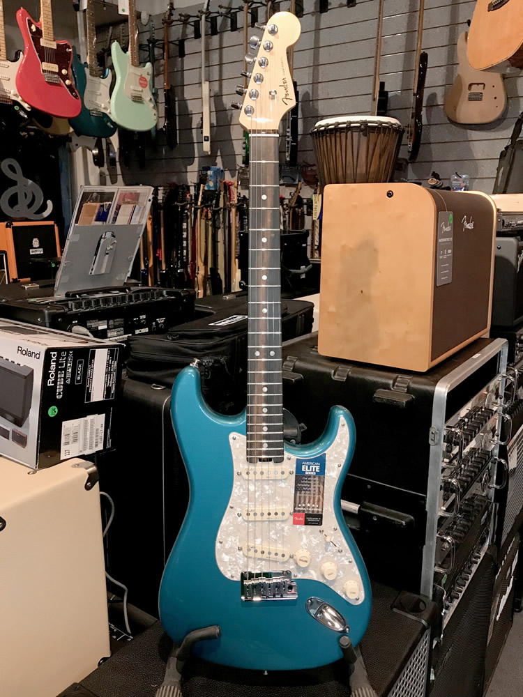 Fender Strat Elite LPB 01.jpg