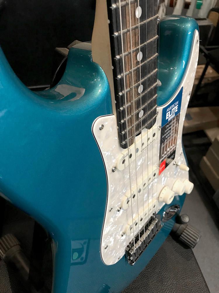Fender Strat Elite LPB 04.jpg