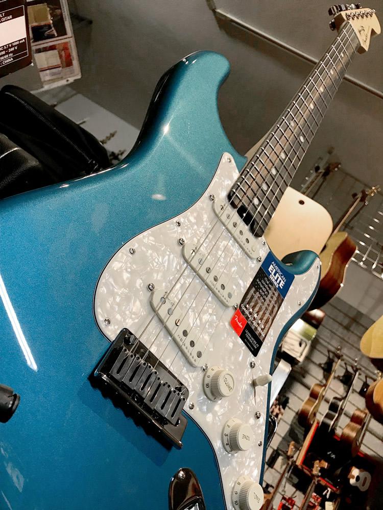 Fender Strat Elite LPB 06.jpg