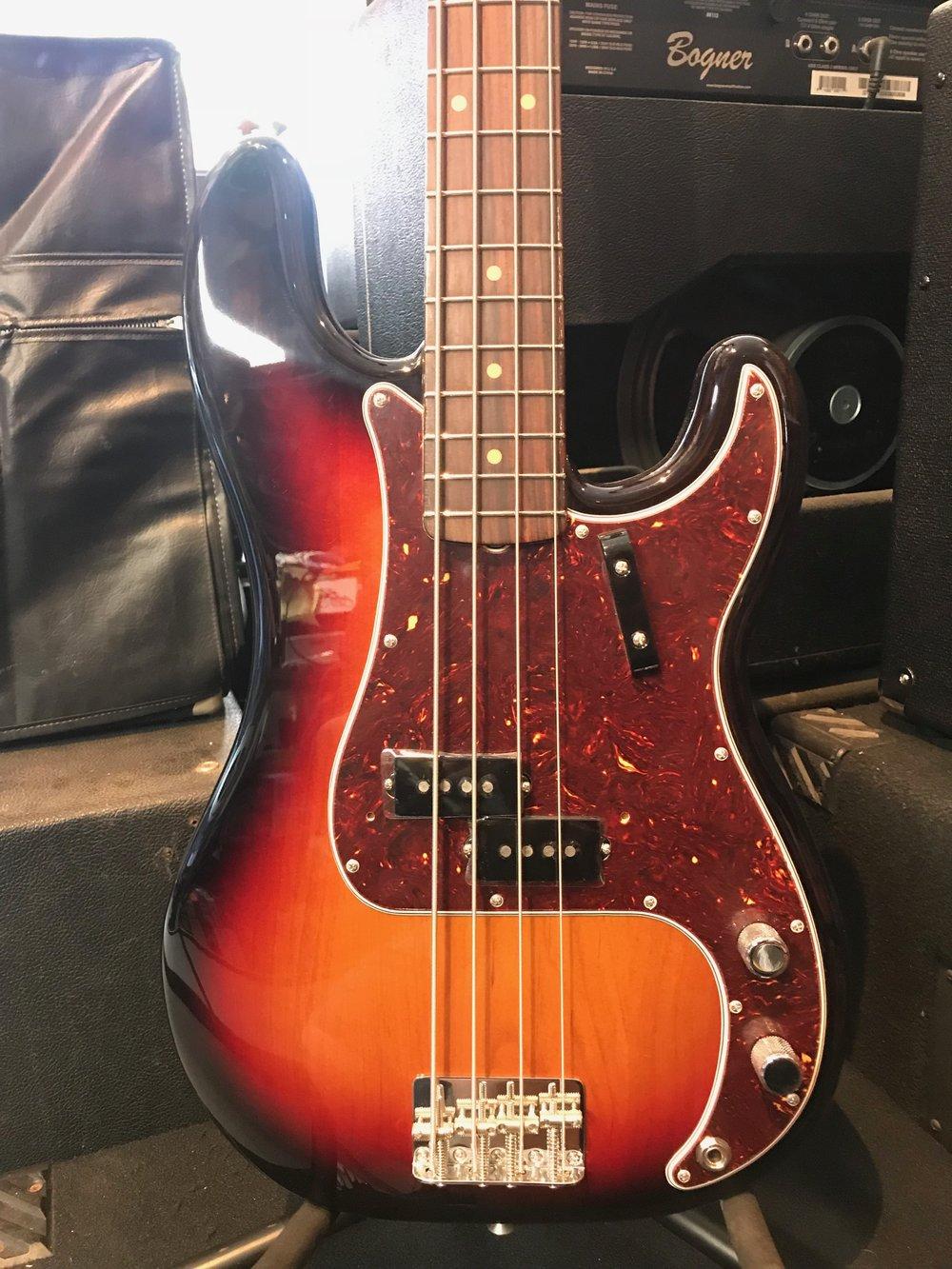 Fender Amr Org 60s Pbass 02.JPG