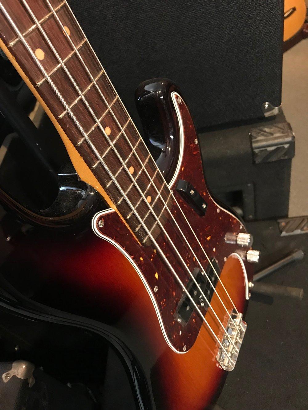 Fender Amr Org 60s Pbass 04.JPG