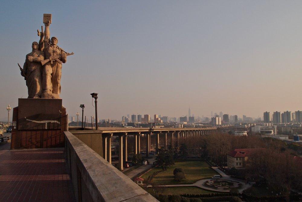 Nanjing Yangtze River Bridge, China. (C) Remko Tanis