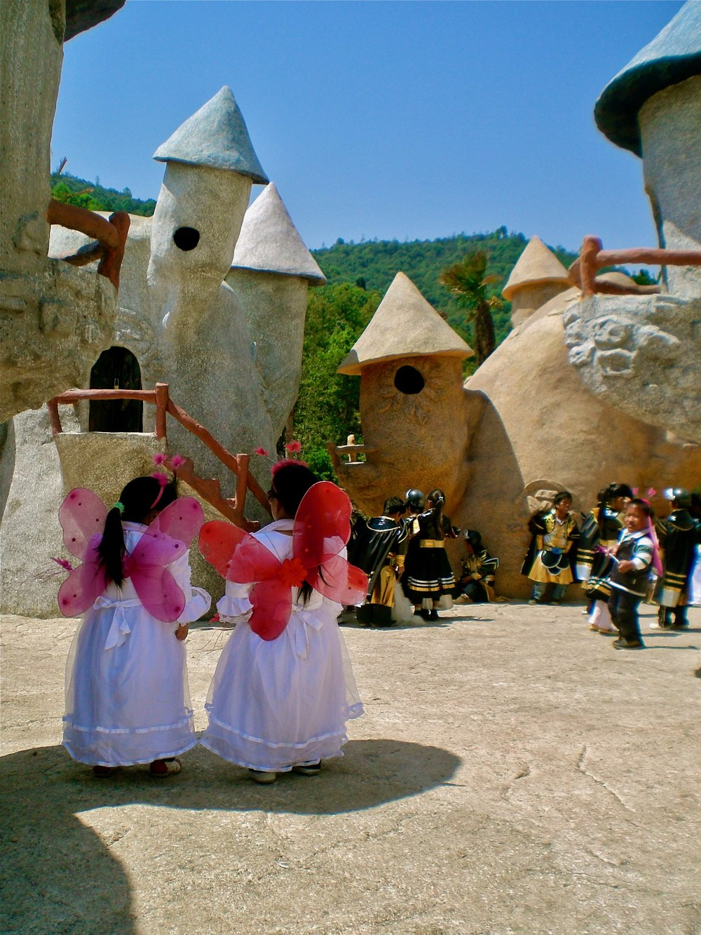 Performers at the Kingdom of the Dwarfs amusement park in Yunnan, China. (C) Remko Tanis