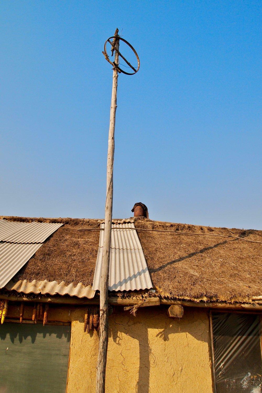 An alternative tv antenna in Qinglongshan, Heilongjiang province, China. (C) Remko Tanis