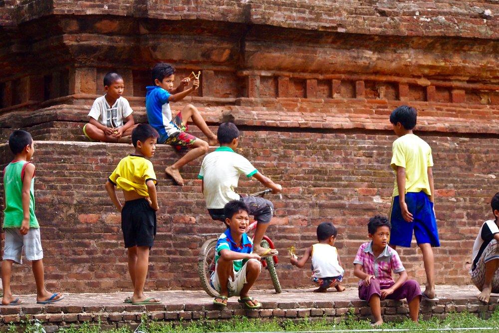 Children in Bagan, Myanmar. (C) Remko Tanis