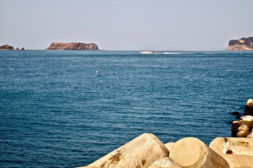A South Korean navy vessel patrolling the waters around Yeonpyeong Island. (C) Remko Tanis