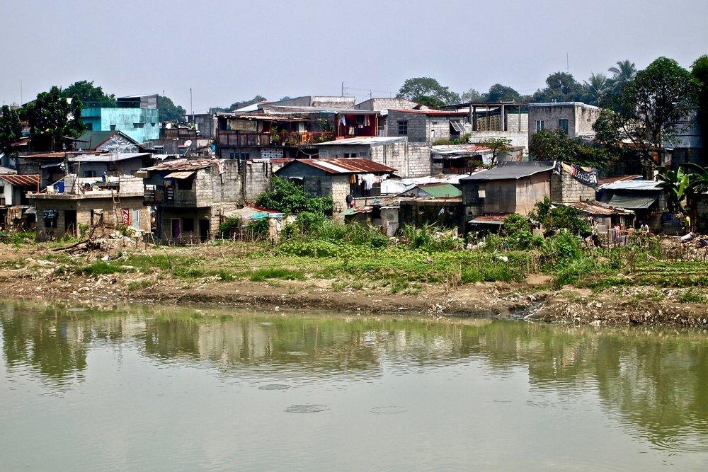 Slums in Manila, capital of the Philippines. (C) Remko Tanis