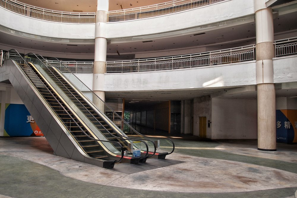 Emptiness all around at the New South China Mall in Dongguan, China. Photo: (C) Remko Tanis