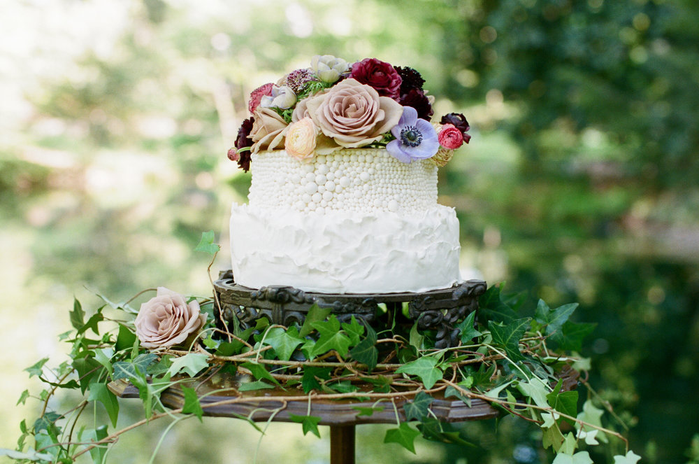 Photo:  Olivia Griffin  | Floral & Styling:  Kate Asire  and  Philo Floral  | Rentals:  A Darling Day  | Venue:  Kilgore-Lewis House