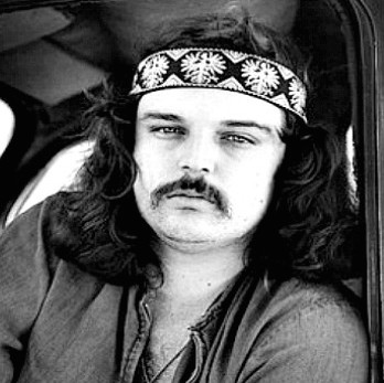07-pigpen-in-car-resized-herb-greene-690x460.jpg