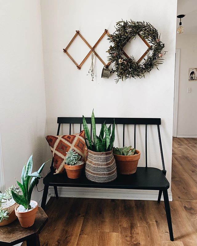 One of those Spring deep cleaning moments today and it feels so good! 🌞 . . . . #thatsdarling #darlingmovement #homesweethome #fayar #pursuepretty #kinfolk #livefolk #folkhome #fayettevillear #arkansas #plantlady #targethome #urbanjungle