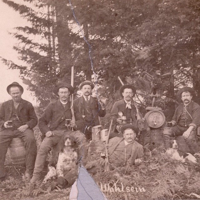Employees at the Doering & Marstrand Brewery in Mount Pleasant, 1890