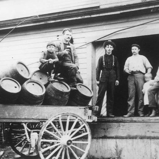 Outside the New Westminster Brewery, 1901