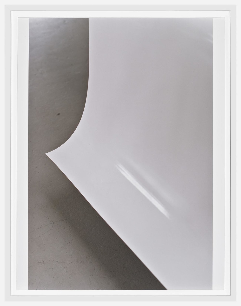 Wolfgang Tillmans Paper Drop (White) B 2004 c-prints 44 x 33.9 cm