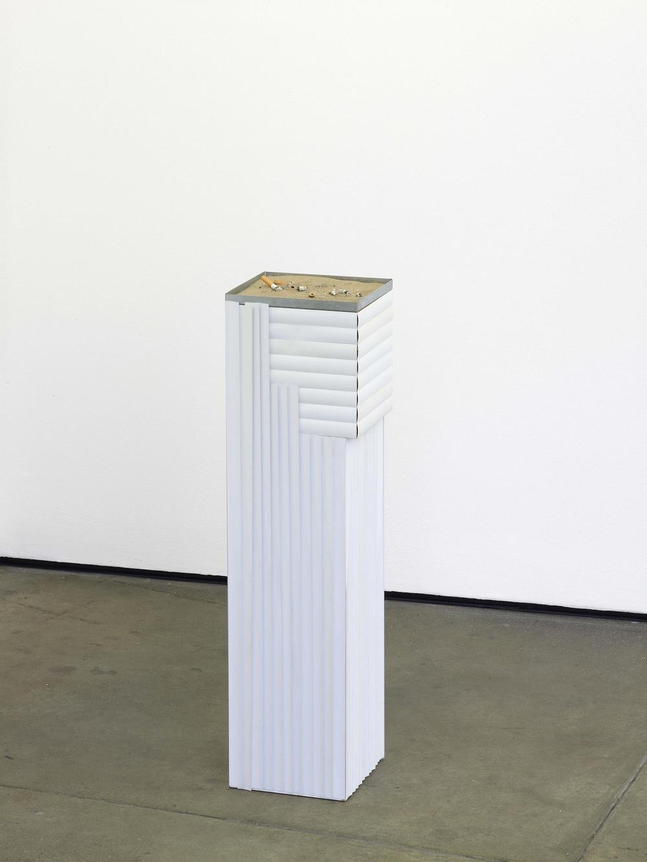 French Junkies #5   2002   metal, wood, venetian blinds, sand   82 x 22 x 19.5 cm / 32.2 x 8.6 x 7.6 in