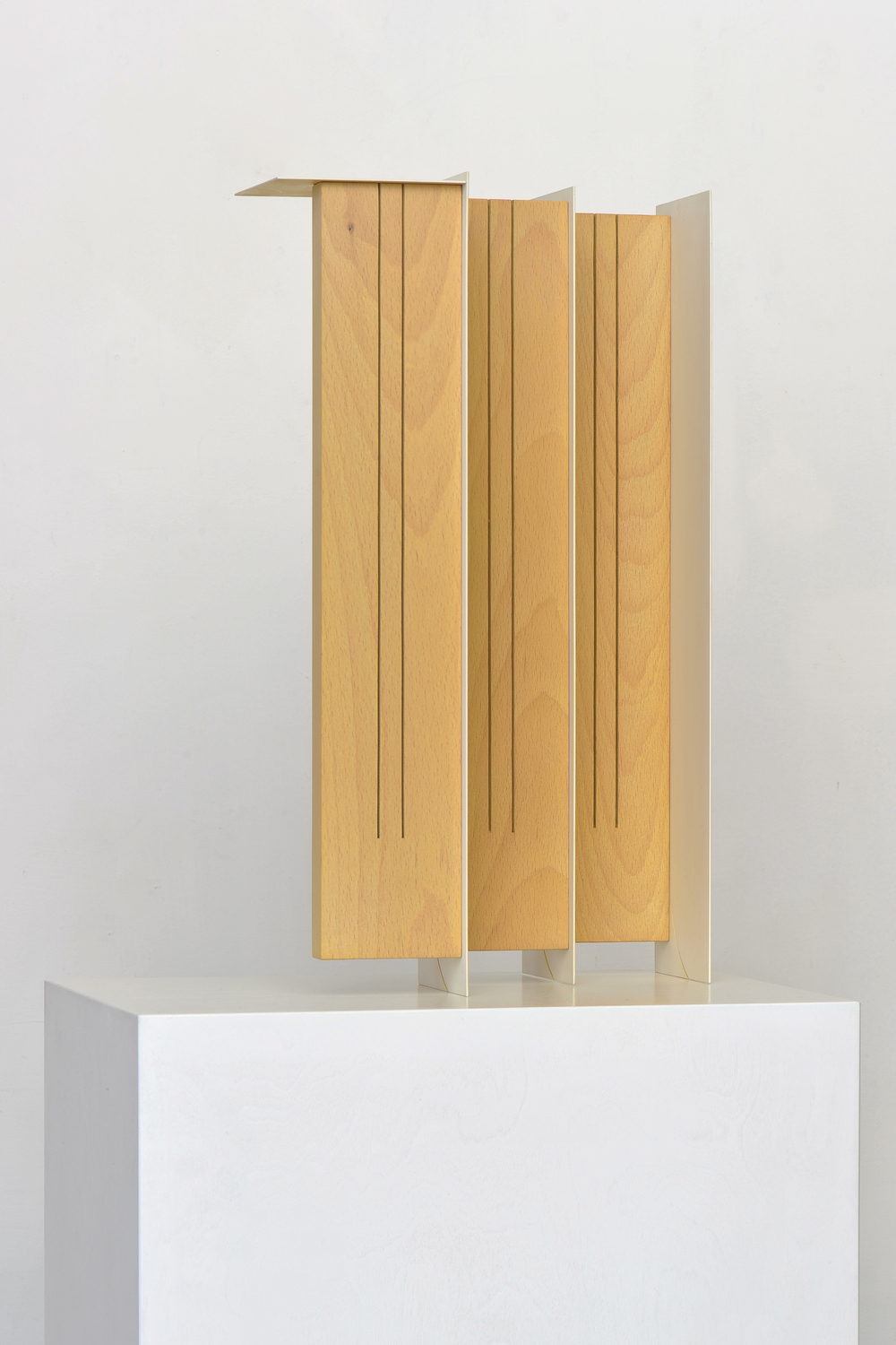 Screen 2014 Euro-beech hardwood, steel, copper rivets, enamel, wax 43.1 x 25.4 x 16.5 cm / 17 x 10 x 6.5 in Plinth: 91.4 x 38.1 x 27.9 cm / 36 x 15 x 11 in