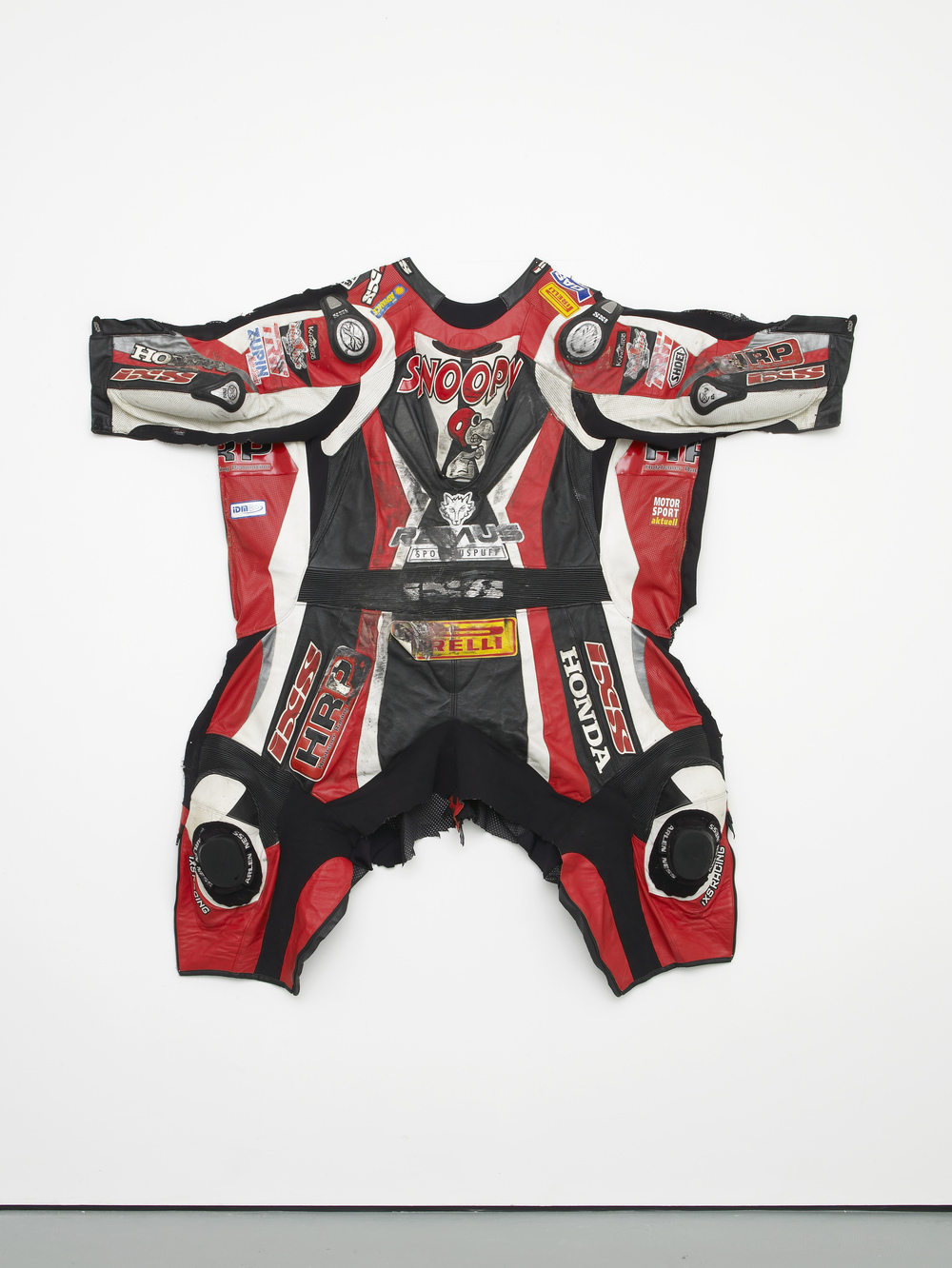 Snoopy 2014 Motorbike suit, nails 153 x 161 x 14 cm / 60.2 x 63.3 x 5.5 in