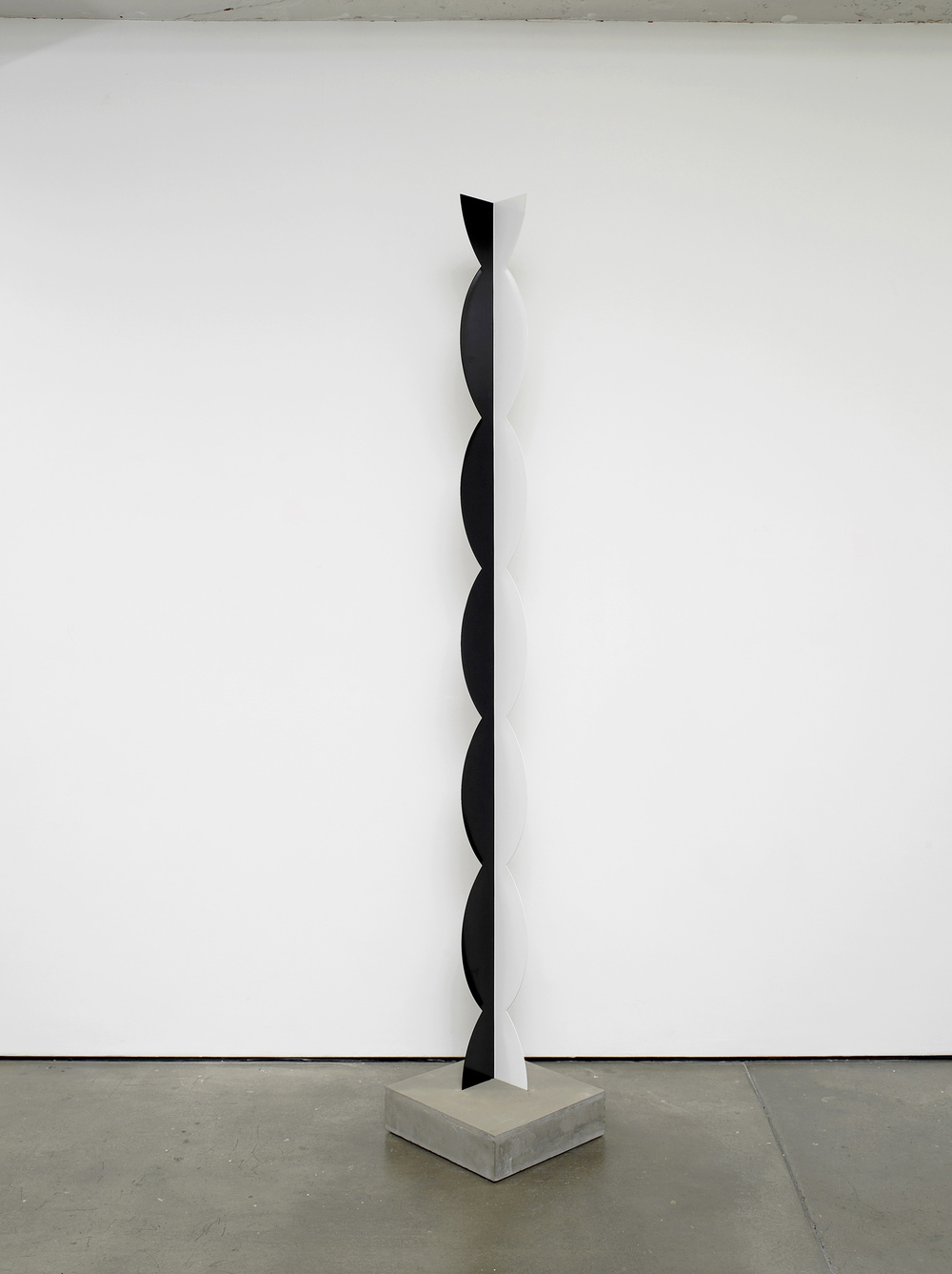 Kusine 2012 Painted steel, concrete 258 x 12 x 12 cm / 101.5 x 4.7 x 4.7 in