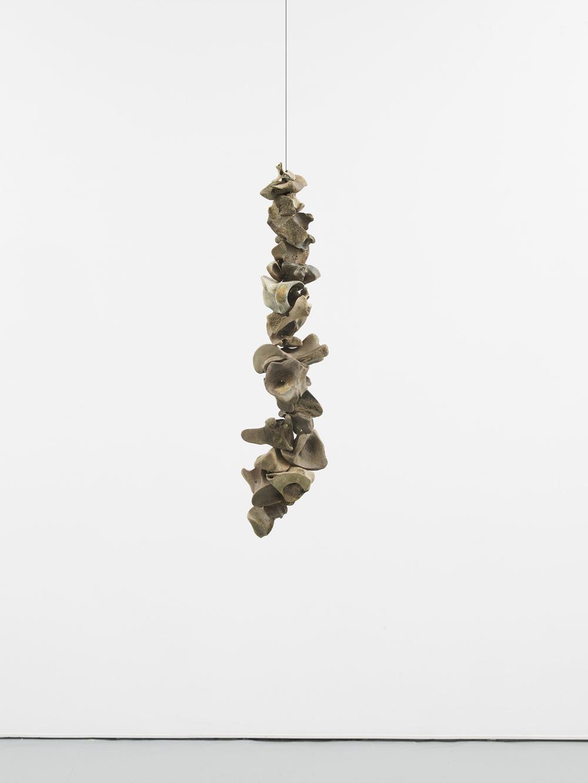 Franziska Lantz THAMES, no title 2016 Bones, string 72 x 17 x 17 cm / 28.3 x 6.6 x 6.6 in HS12-FL5508S