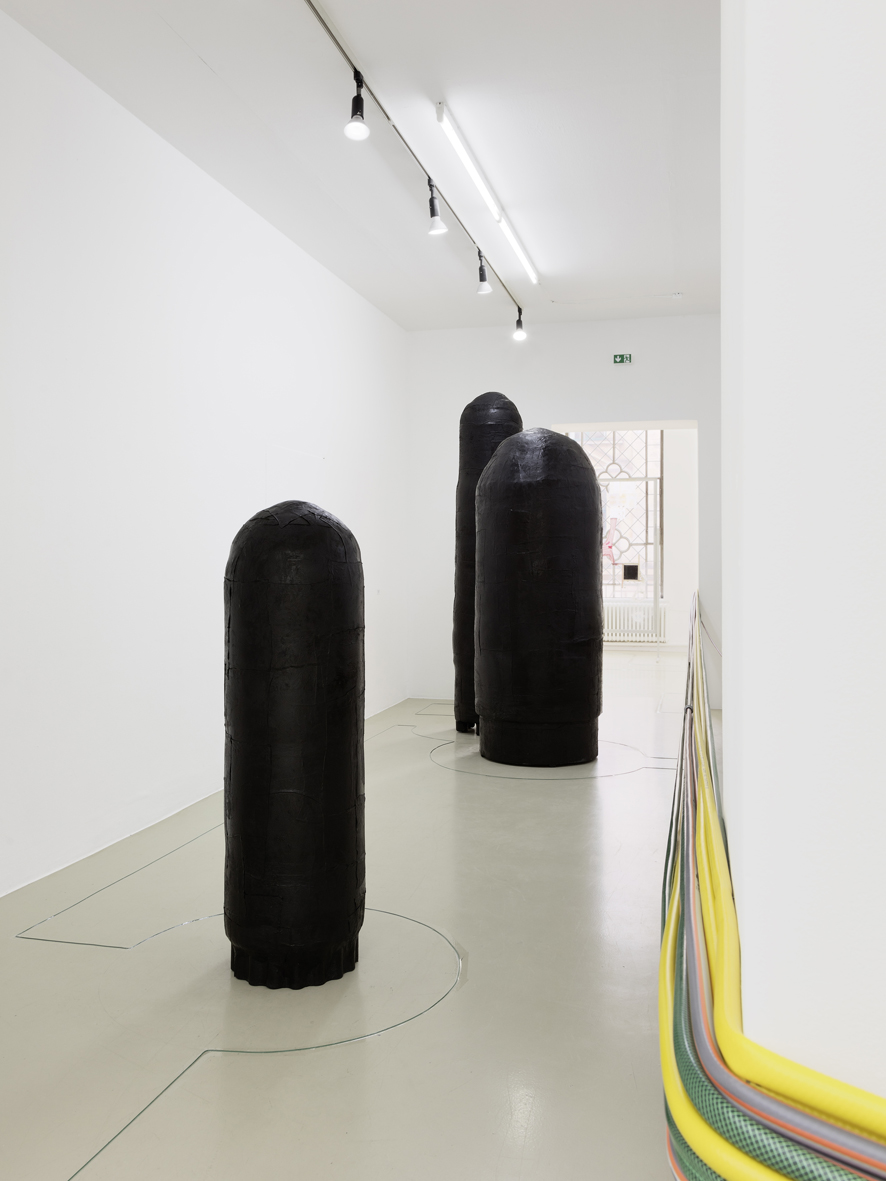 Stretch Installation View Kunstverein Hannover, DE 2016