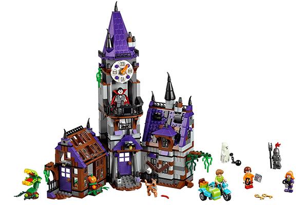 """El set de juego también incluirá a la popular camioneta  """"La Máquina del Misterio""""  (Mistery Machine),  """"El Museo Misterioso de la Momia""""  (Mummy Museum Mystery) y  """"La Casa del Farol Embrujado""""  (Haunted Lighthouse)."""